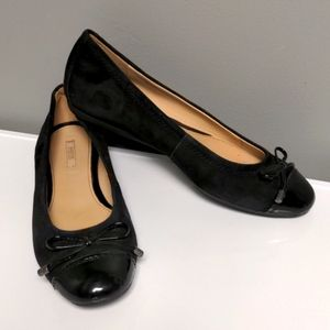 Geox Respira Bow Suede Flats Size 7.5 Black